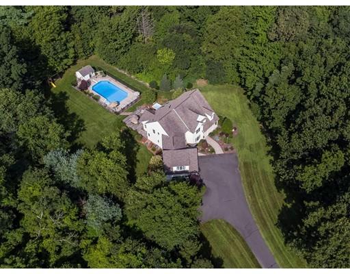 Частный односемейный дом для того Продажа на 229 Pontoosic Road Westfield, Массачусетс 01085 Соединенные Штаты