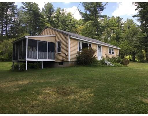 Maison unifamiliale pour l Vente à 216 Upton 216 Upton Grafton, Massachusetts 01519 États-Unis