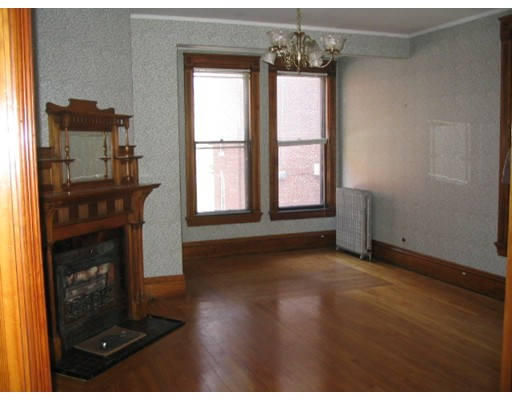 Single Family Home for Rent at 11 irving Street Worcester, Massachusetts 01609 United States