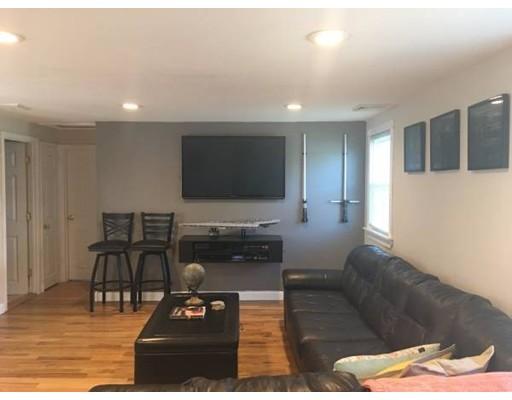 Maison unifamiliale pour l à louer à 24 Neillian Way Bedford, Massachusetts 01730 États-Unis
