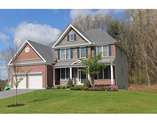 Single Family Home for Sale at 8 Patriot Way Grafton, Massachusetts 01536 United States