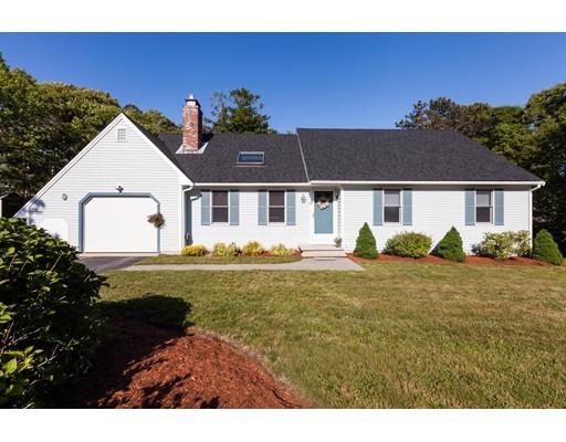 Maison unifamiliale pour l Vente à 11 Deer Run Harwich, Massachusetts 02645 États-Unis