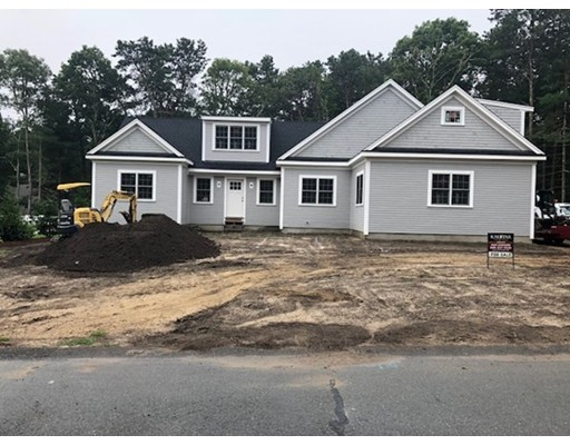 Additional photo for property listing at 32 Marway  Mashpee, Massachusetts 02649 Estados Unidos
