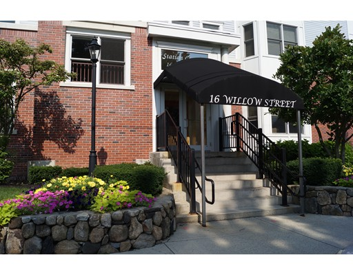 Single Family Home for Rent at 16 Willow Street Melrose, Massachusetts 02176 United States