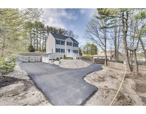 Single Family Home for Sale at 1 Cynthia Road Abington, Massachusetts 02351 United States