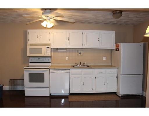 独户住宅 为 出租 在 79 IVAN Street North Providence, 罗得岛 02904 美国