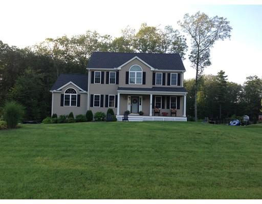 Maison unifamiliale pour l Vente à 35 Noble Street Dudley, Massachusetts 01571 États-Unis