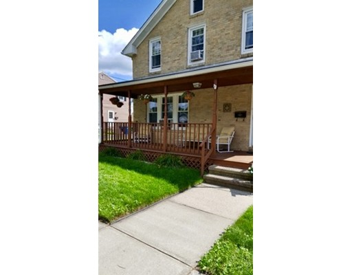 独户住宅 为 销售 在 25 Fox Street 25 Fox Street West Springfield, 马萨诸塞州 01089 美国