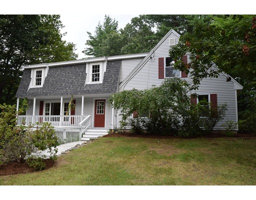 Maison unifamiliale pour l Vente à 3 Acorn Drive Kingston, New Hampshire 03848 États-Unis