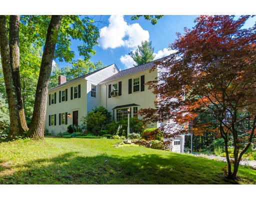 Single Family Home for Sale at 26 Blueberry Hill Road 26 Blueberry Hill Road Amherst, New Hampshire 03031 United States