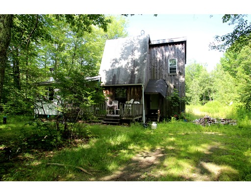 Maison unifamiliale pour l Vente à 84 Lockes Village Road Wendell, Massachusetts 01379 États-Unis