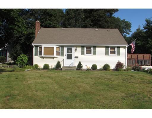 Maison unifamiliale pour l Vente à 62 Belmont Street Abington, Massachusetts 02351 États-Unis