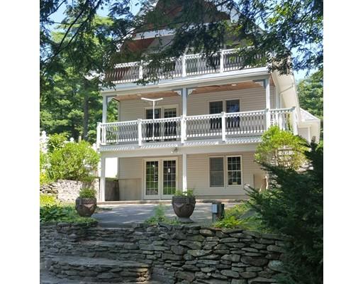 واحد منزل الأسرة للـ Sale في 120 Piney Lane 120 Piney Lane Ludlow, Massachusetts 01056 United States