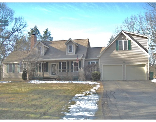 Single Family Home for Sale at 466 Cross Street Boylston, Massachusetts 01505 United States