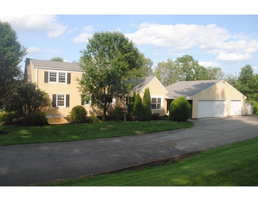 Single Family Home for Sale at 747 Main Street 747 Main Street Leicester, Massachusetts 01524 United States