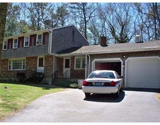 独户住宅 为 销售 在 575 Long Pond Road 普利茅斯, 马萨诸塞州 02360 美国