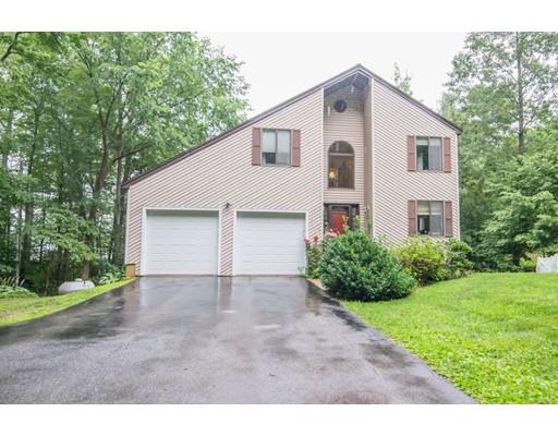 Maison unifamiliale pour l Vente à 75 Croy Path Hampstead, New Hampshire 03841 États-Unis