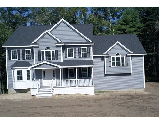 Single Family Home for Sale at 318 Haverhill Street 318 Haverhill Street North Reading, Massachusetts 01864 United States