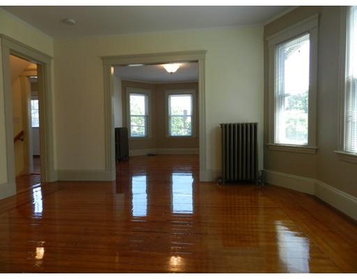 Квартира для того Аренда на 22 Gardner #2 Arlington, Массачусетс 02474 Соединенные Штаты