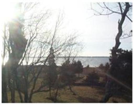 Terrain pour l Vente à Address Not Available Fairhaven, Massachusetts 02719 États-Unis