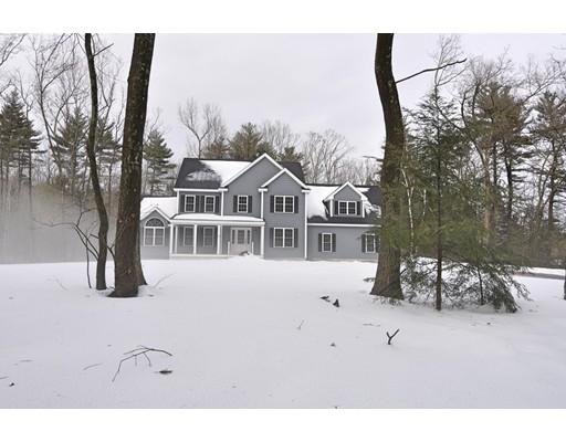 Частный односемейный дом для того Продажа на 34 Maple Street Dunstable, Массачусетс 01827 Соединенные Штаты