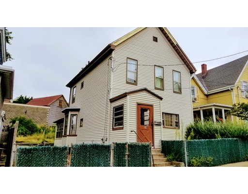 24 Crescent St, Somerville, MA 02145