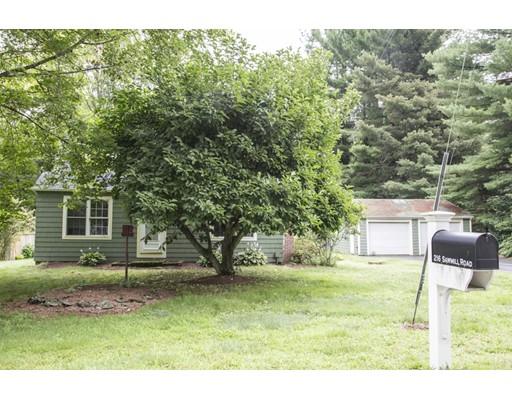 Maison unifamiliale pour l Vente à 216 Sawmill Road Glocester, Rhode Island 02814 États-Unis