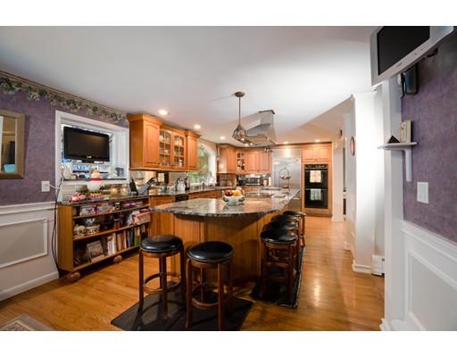 Частный односемейный дом для того Продажа на 17 Morpheus Drive Cumberland, Род-Айленд 02864 Соединенные Штаты