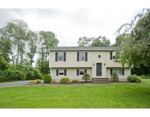 Maison unifamiliale pour l Vente à 28 Cesan Street Agawam, Massachusetts 01030 États-Unis