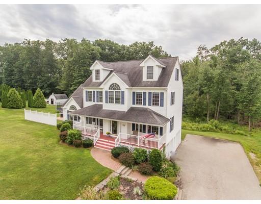 Maison unifamiliale pour l Vente à 8 Red Oak Drive Plaistow, New Hampshire 03865 États-Unis