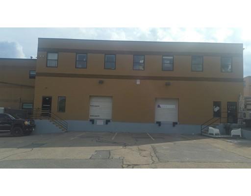 Commercial pour l à louer à 208 Milton Street 208 Milton Street Dedham, Massachusetts 02026 États-Unis