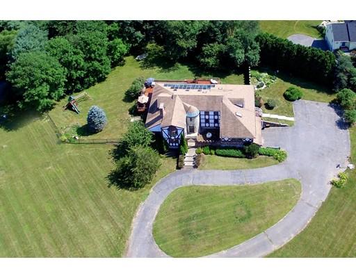 واحد منزل الأسرة للـ Sale في 24 Rubbly Road 24 Rubbly Road Wenham, Massachusetts 01984 United States