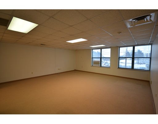 Commercial for Rent at 7 Midstate Drive 7 Midstate Drive Auburn, Massachusetts 01501 United States