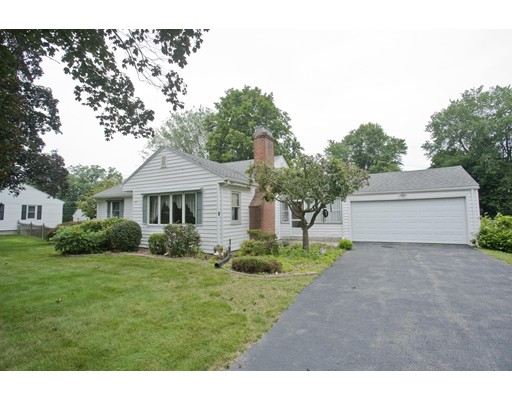 Single Family Home for Sale at 245 Maple Street East Longmeadow, Massachusetts 01028 United States