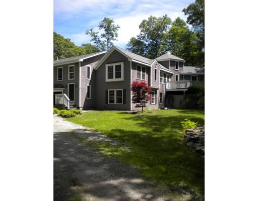 واحد منزل الأسرة للـ Sale في 60 Torrey Road Cumberland, Rhode Island 02864 United States