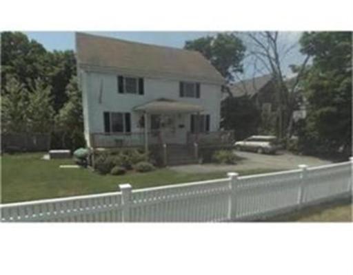 Casa Unifamiliar por un Alquiler en 13 Gay Street Westwood, Massachusetts 02090 Estados Unidos