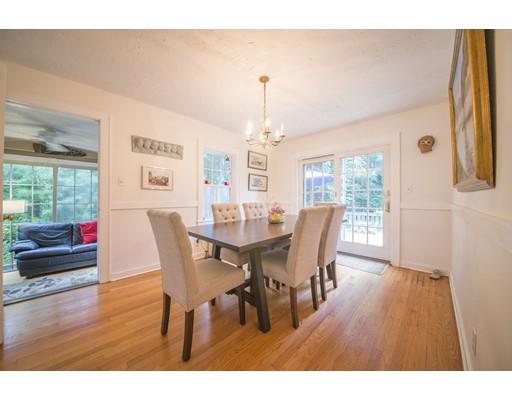 Casa Unifamiliar por un Venta en 12 Hillside Avenue Enfield, Connecticut 06082 Estados Unidos