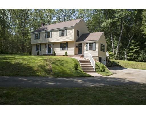 واحد منزل الأسرة للـ Sale في 68 Rowley Road Boxford, Massachusetts 01921 United States