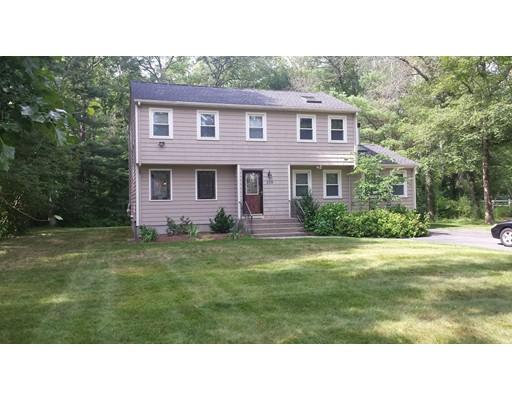 Casa Unifamiliar por un Alquiler en 239 Hampton Road 239 Hampton Road Sharon, Massachusetts 02067 Estados Unidos