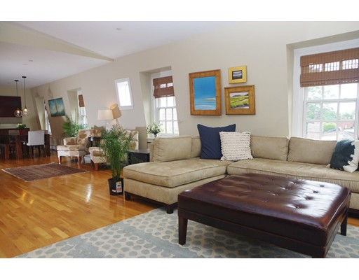 共管式独立产权公寓 为 销售 在 34 Fayette 波士顿, 马萨诸塞州 02116 美国