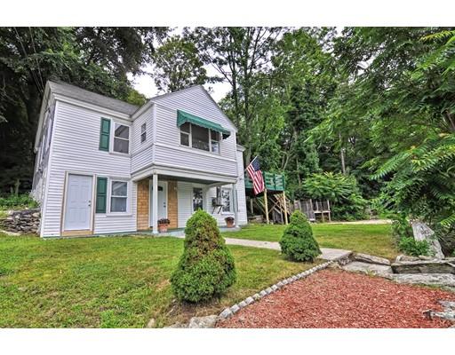 واحد منزل الأسرة للـ Sale في 4 Blackstone Blackstone, Massachusetts 01504 United States