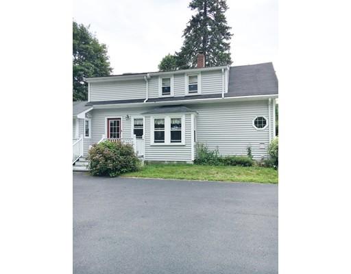 Maison unifamiliale pour l Vente à 199 Neponset Street Canton, Massachusetts 02021 États-Unis