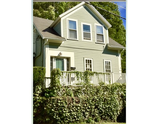 独户住宅 为 出租 在 83 Marvin 梅尔罗斯, 马萨诸塞州 02176 美国