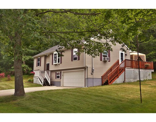 Частный односемейный дом для того Продажа на 128 Cedar Street Amesbury, Массачусетс 01913 Соединенные Штаты