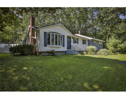 Casa Unifamiliar por un Venta en 157 Center Street Groveland, Massachusetts 01834 Estados Unidos