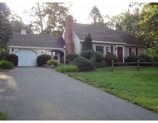 Maison unifamiliale pour l Vente à 270 Wilbraham Road Hampden, Massachusetts 01036 États-Unis