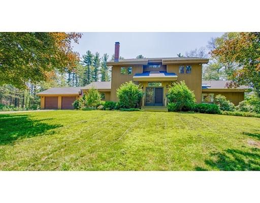 واحد منزل الأسرة للـ Sale في 134 Daniels Road Rowley, Massachusetts 01969 United States