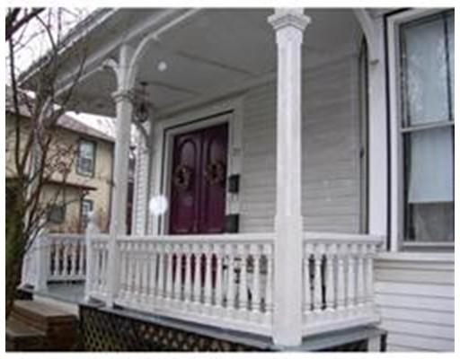 شقة للـ Rent في 22 Bartlett St #1 Beverly, Massachusetts 01915 United States
