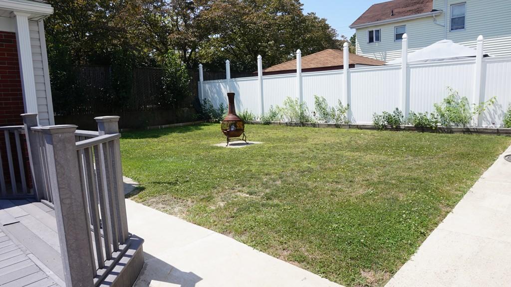 243 Rockaway Beach Pl Innisfil, ON L0L1R0 - MLS #: N3914798