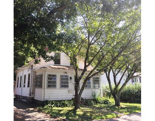 Maison unifamiliale pour l Vente à 14 Foster Street Avon, Massachusetts 02322 États-Unis